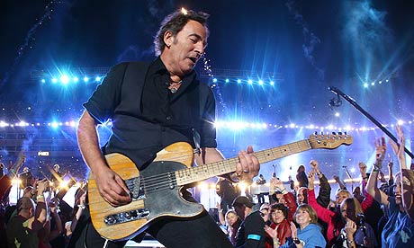 Bruce wows the crowd. (Photo Credit - American Songwriter.com)